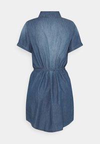 JDY - JDYBELLA LIFE DRESS - Dongerikjole - medium blue denim - 1