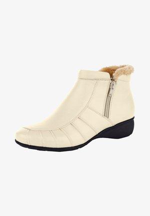 Winter boots - creme weiß