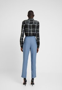 Missguided Tall - HIGH WAISTED LEG TROUSERS - Kalhoty - blue - 3