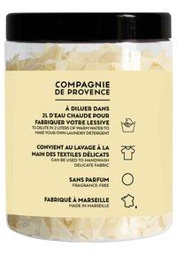 Compagnie de Provence - MARSEILLE SOAP FLAKES 350G - Soap bar - - - 1