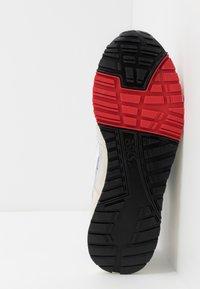 ASICS SportStyle - GELSAGA - Sneakers - white - 4