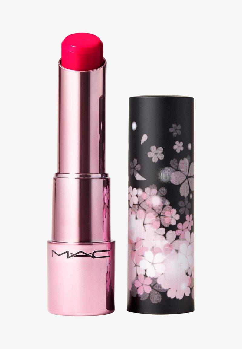 MAC - BLACK CHERRY GLOW PLAY LIP BALM - Lip balm - blossoms or bust