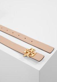 Tory Burch - KIRA LOGO BELT - Cintura - devon sand/gold-coloured - 2