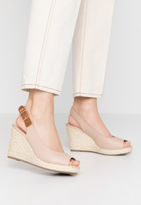 Dune London WIDE FIT - WIDE FIT KICKS  - Sandalias de tacón - blush - 0