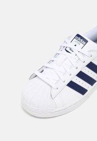 adidas Originals - SUPERSTAR UNISEX - Trainers - white/night sky - 6
