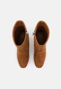 RAID - NARESSA - Kotníková obuv na vysokém podpatku - tan - 5
