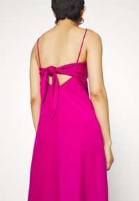 Banana Republic - STRAPPY SLIP - Jersey dress - bright sangria - 5