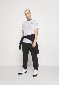 YOURTURN - UNISEX - T-shirts print - white - 1