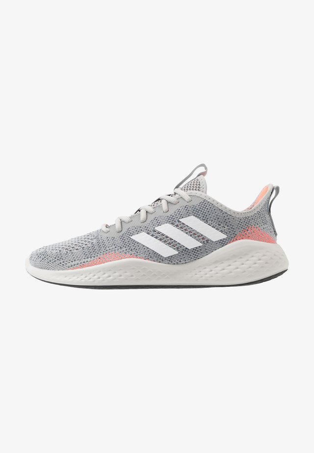 FLUIDFLOW - Neutral running shoes - grey two/footwear white/signal coral