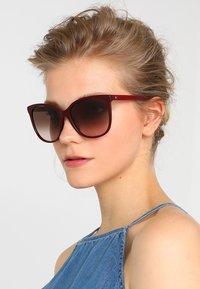 Tommy Hilfiger - Sunglasses - red - 1