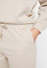 Part Two - AGATHA - Tracksuit bottoms - beige melange - 5