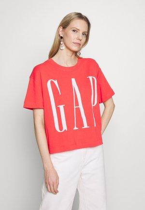 BOXY TEE - Print T-shirt - neon coral flame