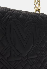 Love Moschino - QUILTED SOFT - Torba na ramię - nero - 4
