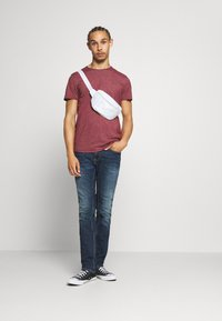 Tommy Jeans - ESSENTIAL JASPE TEE - T-shirts basic - wine red - 1