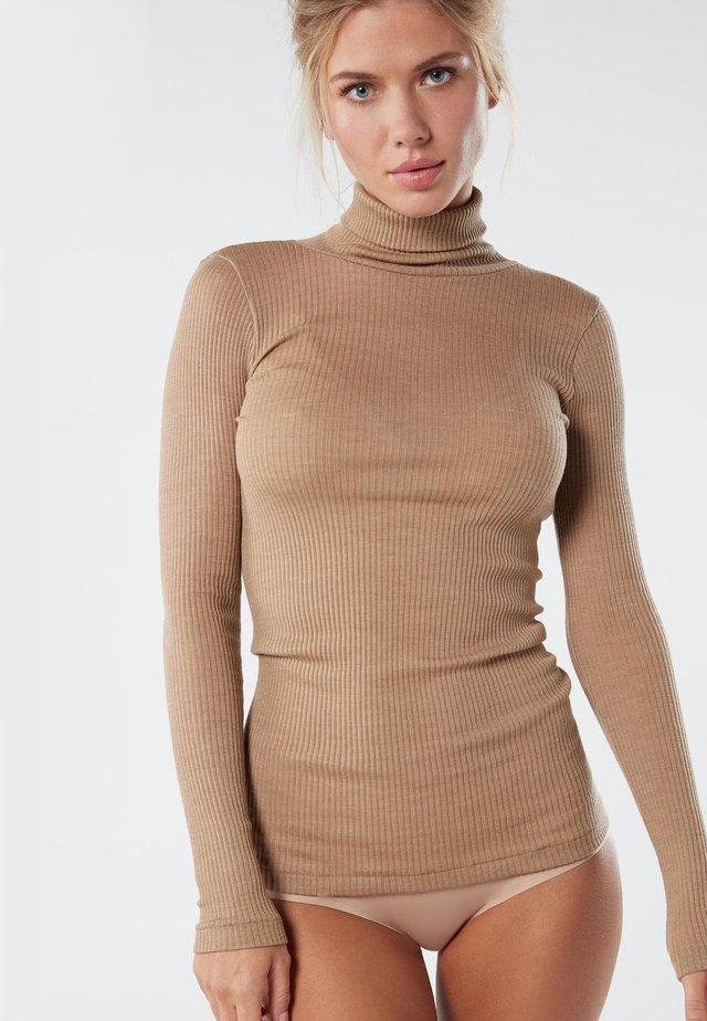 Langærmede T-shirts - camel