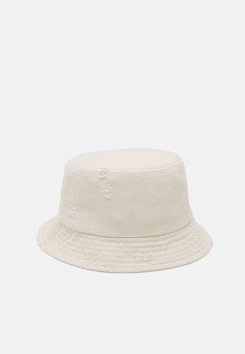 ONSHOLDEN DISTRESSED BUCKET HAT UNISEX - Hat - gardenia