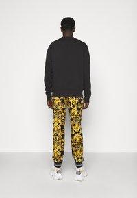 Versace Jeans Couture - FELPA - Sweatshirt - black - 2