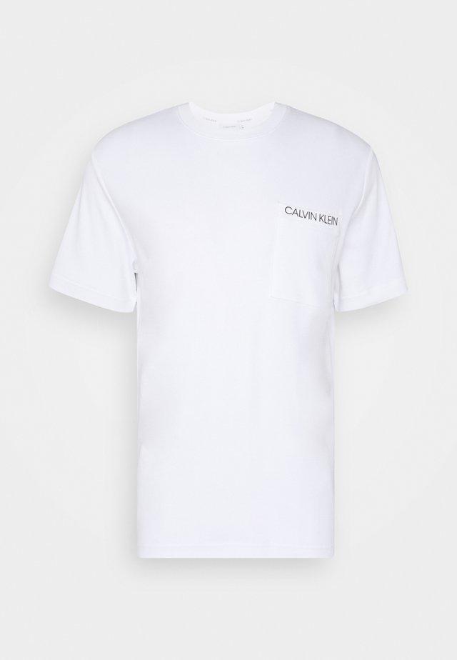 POCKET - T-shirt con stampa - white