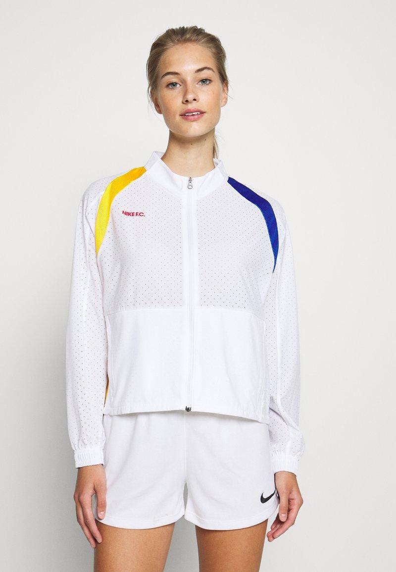 Nike Performance - Chaqueta de entrenamiento - white/university red