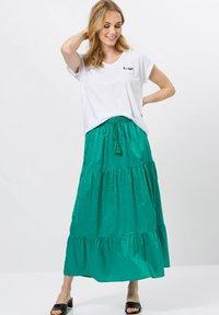 zero - A-line skirt - emerald green - 1