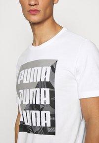 Puma - SUMMER GRAPHIC TEE - T-shirt con stampa - white - 5