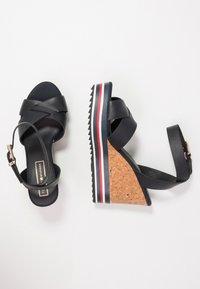 Tommy Hilfiger - COLORED STRIPES WEDGE - Korolliset sandaalit - blue - 3