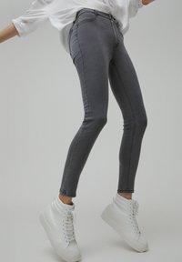 PULL&BEAR - SKINNY - Jeans Skinny Fit - dark grey - 3