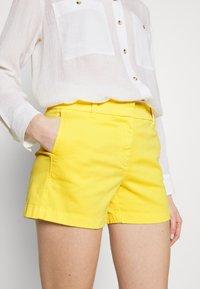 J.CREW - Shorts - vivid lemon - 3