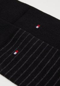 Tommy Hilfiger - MEN SMALL STRIPE SOCK 2 PACK - Socks - black - 1