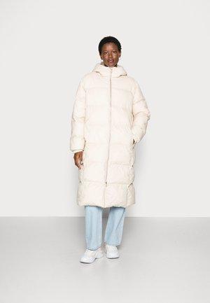 CLOUD COAT - Winter coat - sand