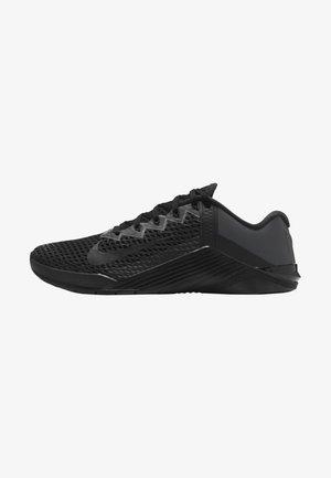 METCON 6 UNISEX - Sports shoes - black