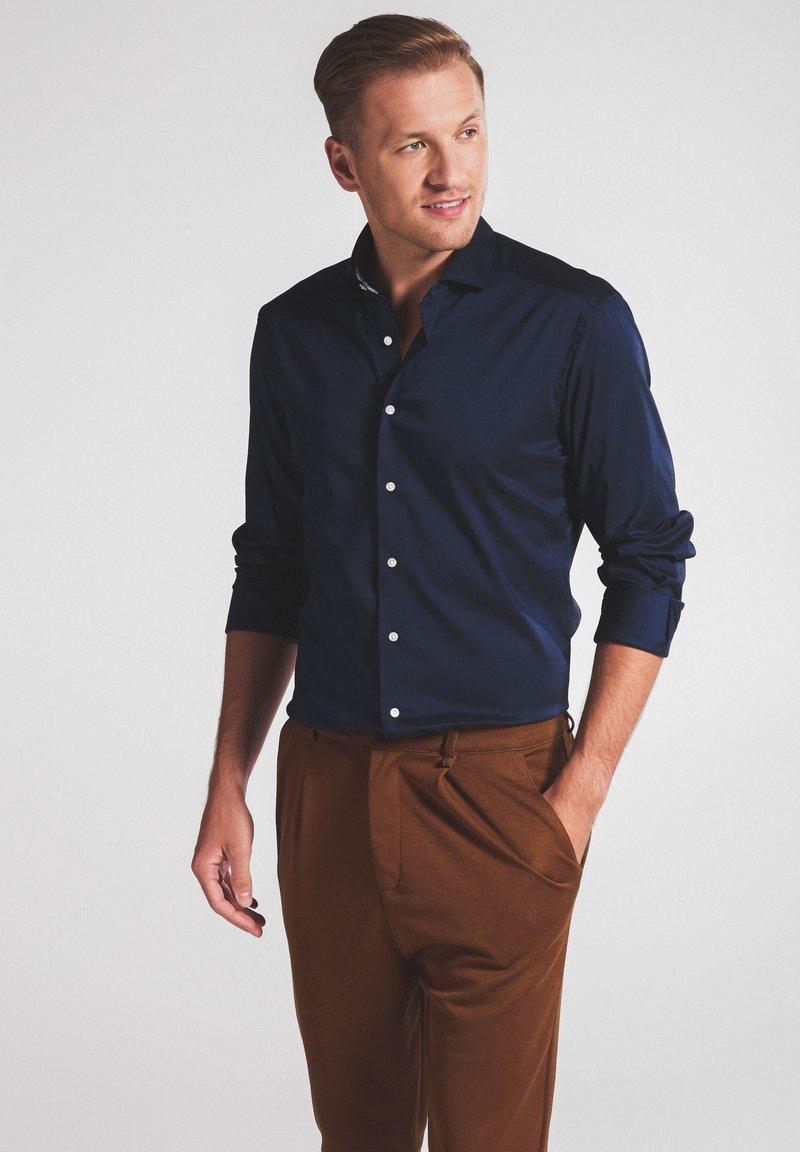 Eterna - SLIM FIT - Shirt - marine