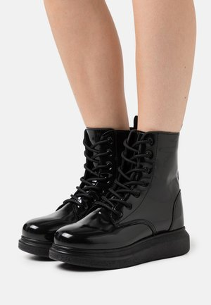 HONEY BOOT - Šněrovací kotníkové boty - black