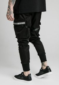 SIKSILK - COMBAT TECH PANTS - Pantaloni cargo - black - 4