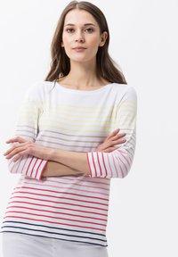 BRAX - STYLE COLLETTA - T-shirt à manches longues - papaya - 0