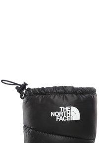 The North Face - M NUPTSE BOOTIE 700 - Winter boots - tnf black/tnf white - 5