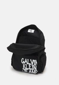 Calvin Klein Jeans - BACK TO SCHOOL BACKPACK UNISEX - Rucksack - black - 2
