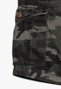 Quiksilver - CRUCIAL BATTLE YOUTH - Cargo trousers - green - 3