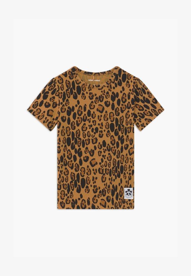 BASIC LEOPARD TEE UNISEX - T-shirt imprimé - beige