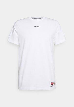 FC TEE JOGA - Print T-shirt - white