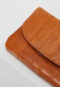 Becksöndergaard - HANDY - Wallet - classic camel - 2