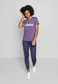 adidas Performance - DESIGN 2 MOVE LOGO TEE - Print T-shirt - tech purple/white - 1