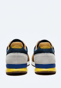 Pepe Jeans - TINKER - Sneakers - cognac - 3