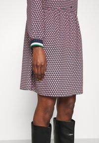 NAF NAF - ARLEQUIN - Shirt dress - multi-coloured - 5