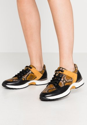 LACE-UP - Trainers - curry