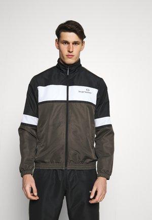 NUSTRAT TRACKSUIT - Trainingsanzug - black/olive