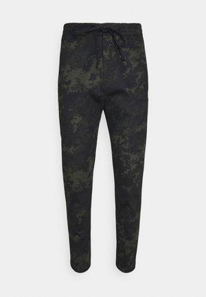 JEGER - Teplákové kalhoty - grün