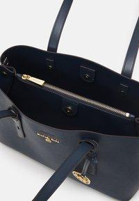 MICHAEL Michael Kors - TOTE - Handbag - navy - 3