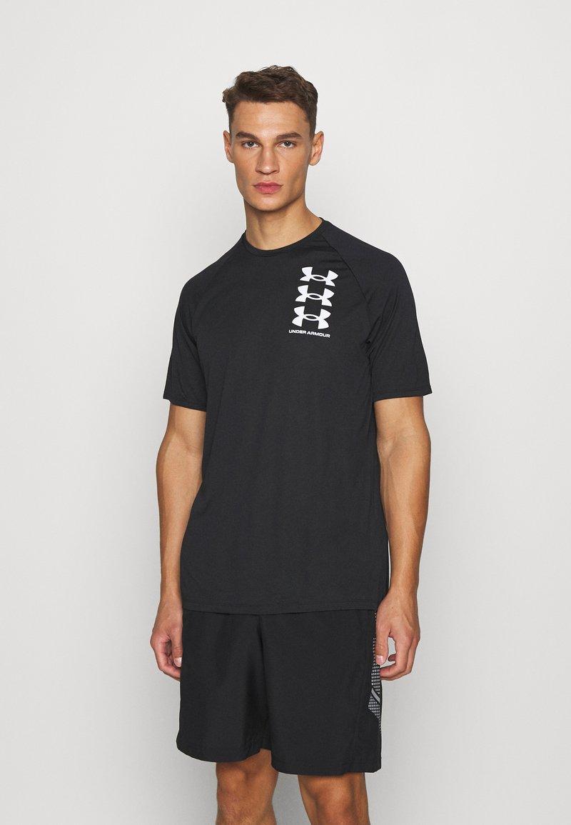 Under Armour - Camiseta estampada - black