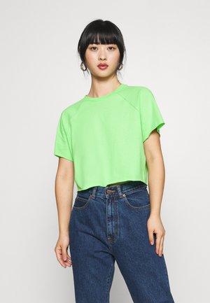 RAGLAN CROP TEE - T-shirt basique - green